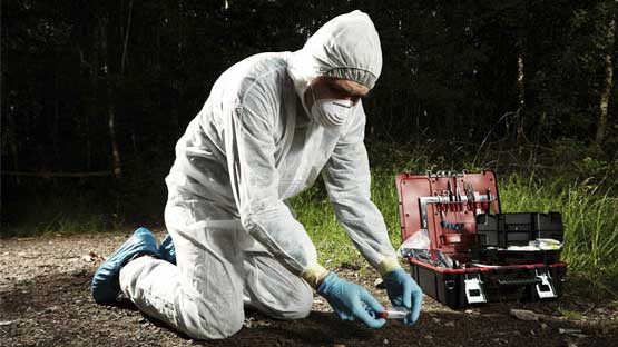 being a crime scene investigator Although working as a crime scene investigator is a noble profession, consider  the risks associated with this field before pursuing this career option.