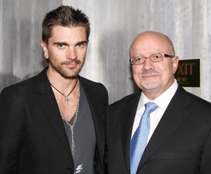 Juanes and Doctor Eduardo Padron
