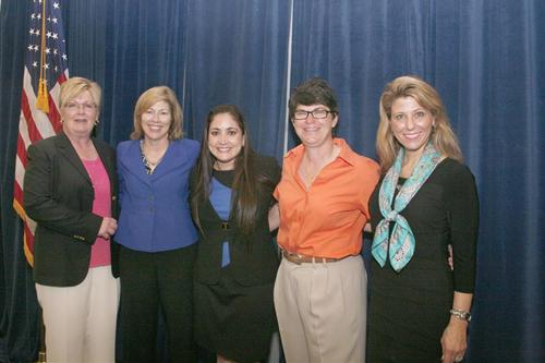 Natalie Putnam, Michelle Livingstone, Jennifer Díaz, Monica Wooden and Andrea Funk