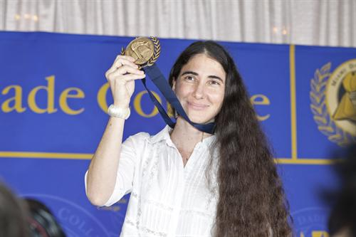 Cuban blogger Yoani Sánchez with the Presidential Medal