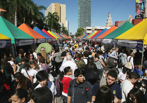 Book Fair visitors fill downtown streets