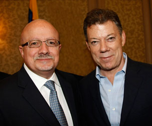 Dr. Padrón meets with Colombia's newly elected President Juan Manuel Santos in Coral Gables.