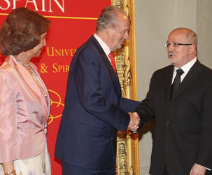 Spanish Queen Sofía and King Juan Carlos greet MDC President Dr. Eduardo J. Padrón