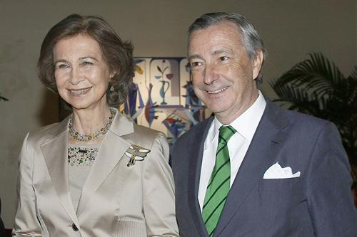 Queen Sofía and Ambassador Dezcallar
